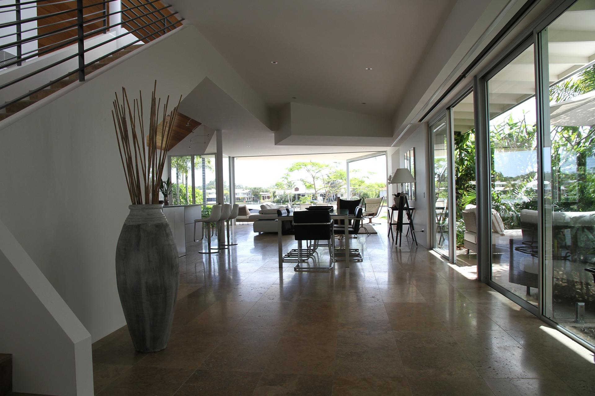haus-modern-plattenboden-nwb immobilien
