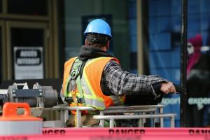 bauarbeiter-arbeit-arbeitnehmer-mann-industrie-nwb immobilien