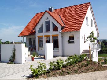 haus neubau eigenheim wohung wohnsiedlung dach_klein